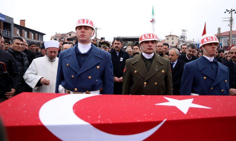 Bakan Kurum, şehit Bayram Olgun'un cenaze törenine katıldı