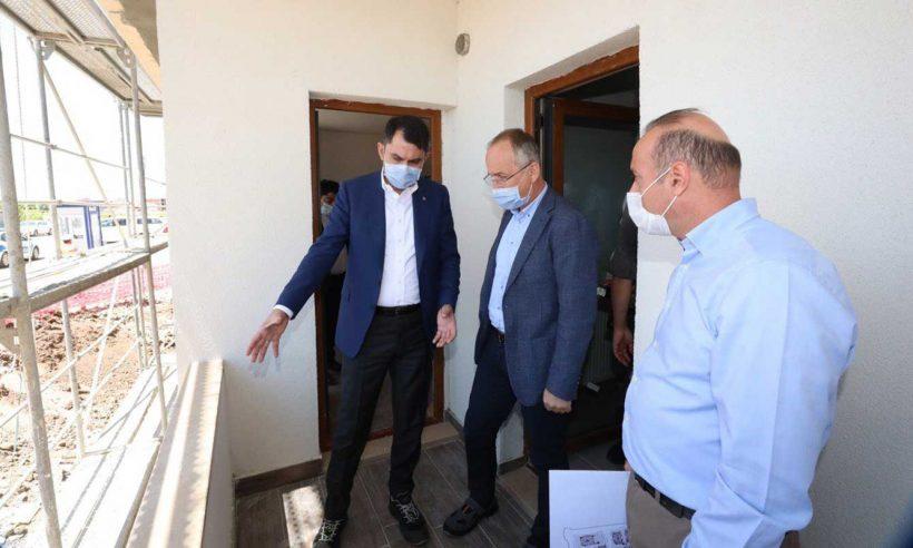 Bakan Kurum, Sivrice ilçesinde incelemelerde bulundu