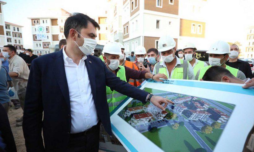 Bakan Kurum, Aydın'daki TOKİ konutlarında incelemede bulundu