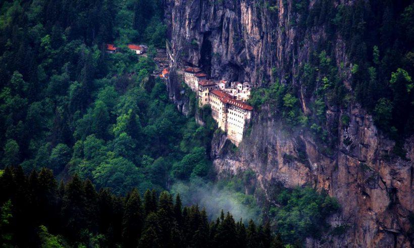 Sümela Manastırı ve Trabzon Ayasofya Camii yeniden ziyarete açıldı