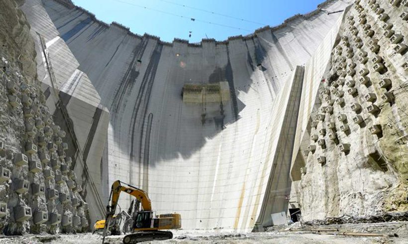 Yusufeli Barajı'nın gövdesinin tamamlanmasına 40 metre kaldı