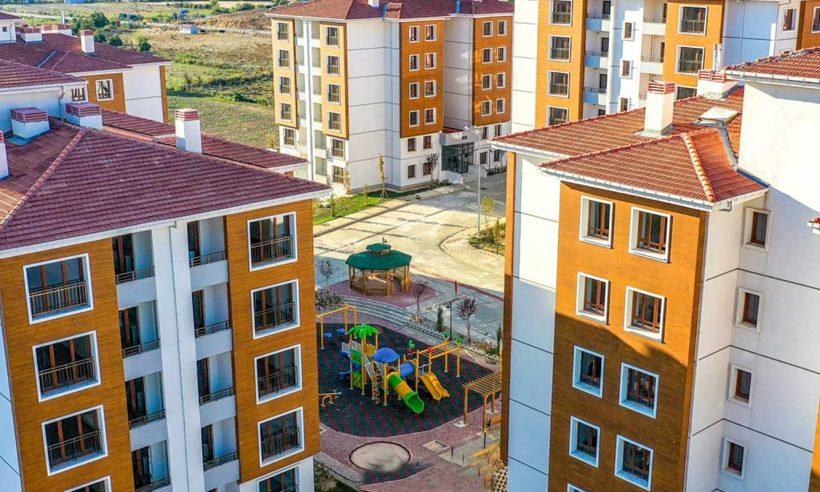 İzmir Tire toplu konutlarında sakin bir yaşam