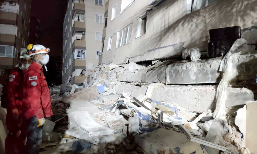 Bakan Kurum: Sağlam olmayan hiçbir binaya girmeyin