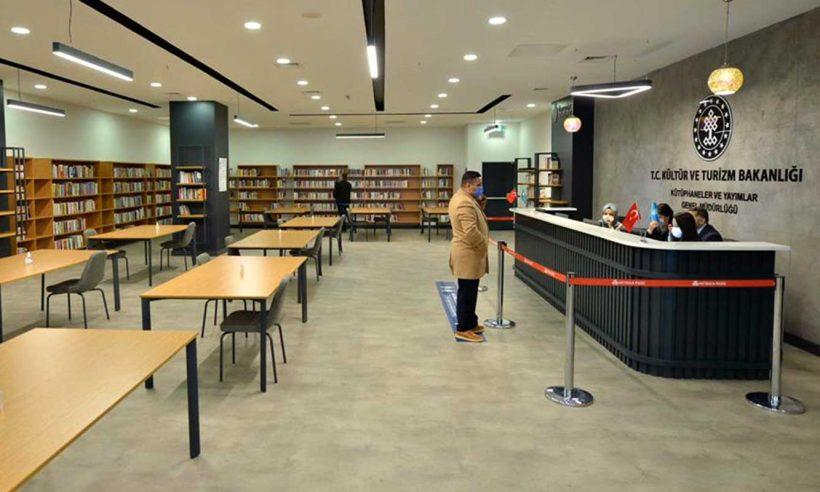 Türkiye'nin 4. AVM kütüphanesi açıldı