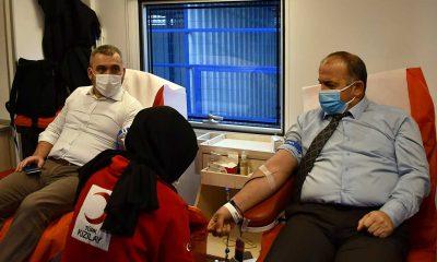 Emlak Yönetim'den Kızılay'a kan bağışı