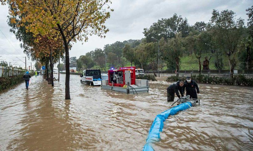 İzmir'deki hasar tespit çalışmalarına başlanacak