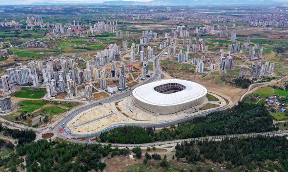 TOKİ'nin inşa ettiği 33 bin kişilik Yeni Adana Stadı açıldı