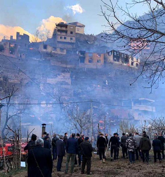 """""""Artvin'de yanan 60 evin yerine yenilerini inşa edeceğiz"""""""