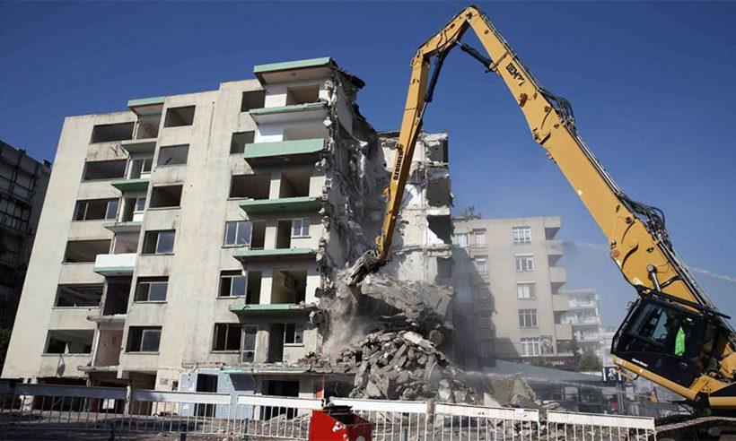 İzmir'deki hasarlı 488 bina daha yıkılacak