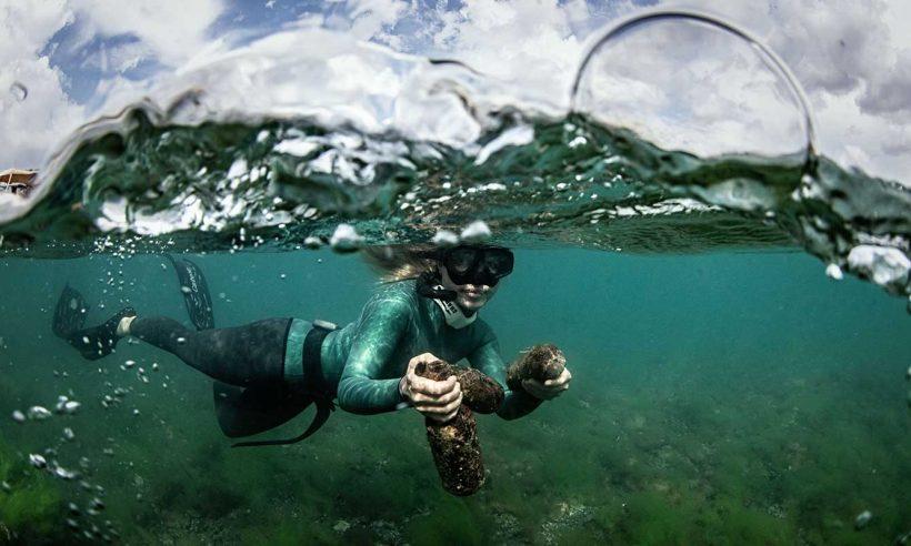"""Komrat Gölü'nde """"sıfır atık"""" dalışı"""