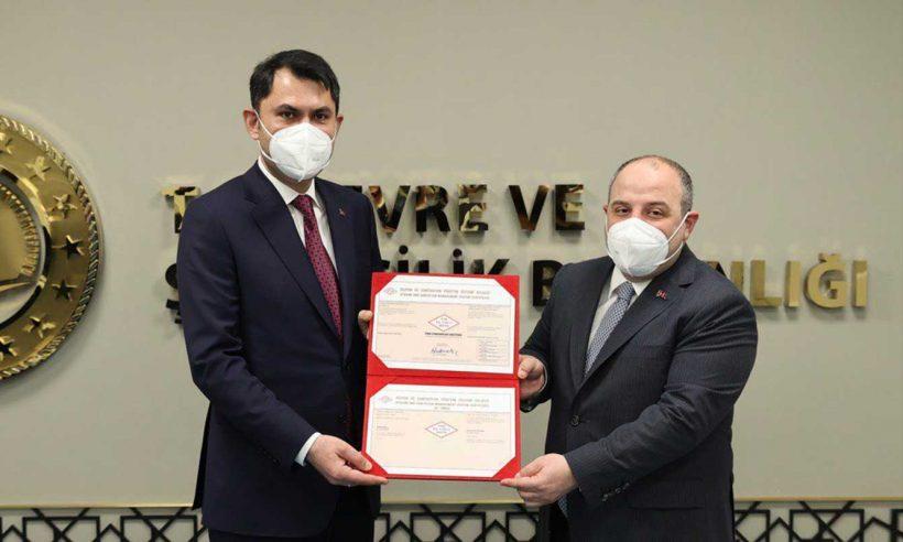 İlk hijyen sertifikası Çevre ve Şehircilik Bakanlığı'na verildi