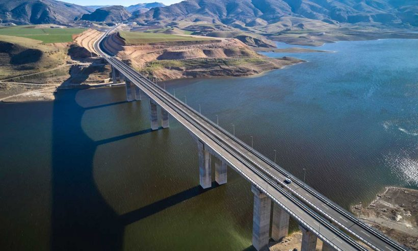 Türkiye'nin en uzun köprülerinden Hasankeyf-2 törenle açıldı
