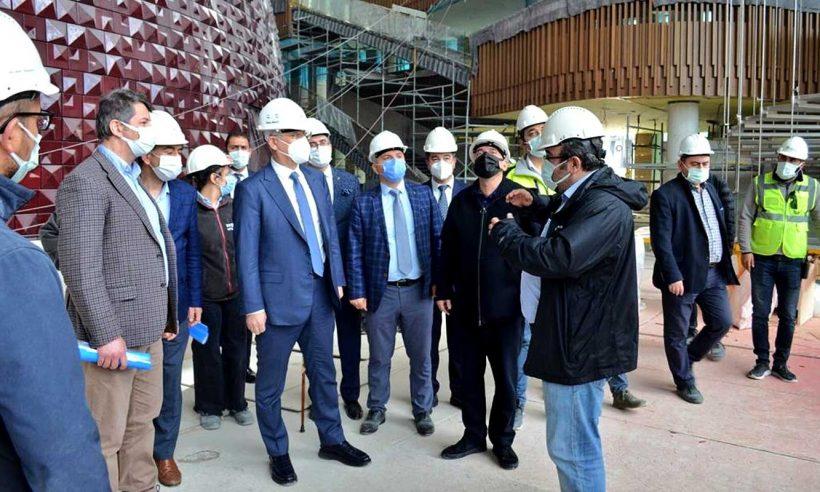TOKİ Başkanı Ömer Bulut, İstanbul şantiyelerini inceledi