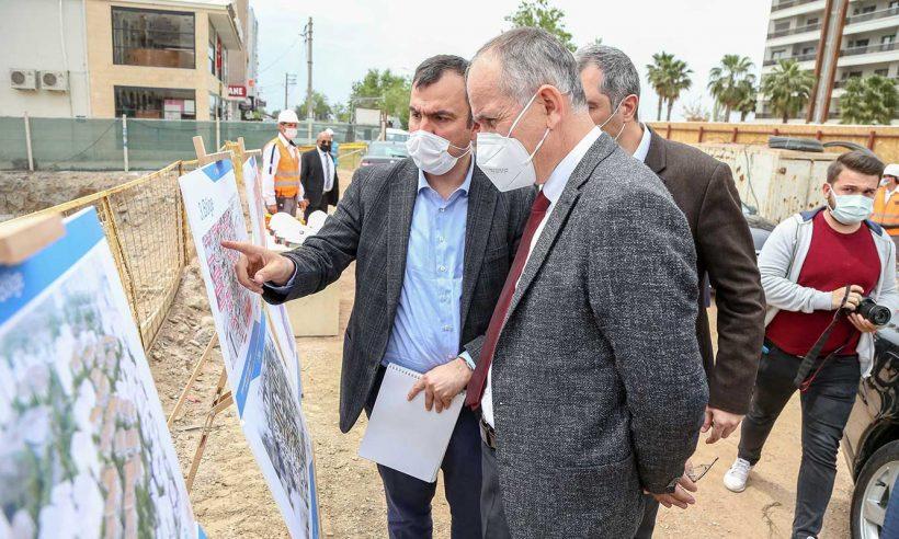 İzmir'de depremzedeler için yapılan konut inşaatlarında inceleme
