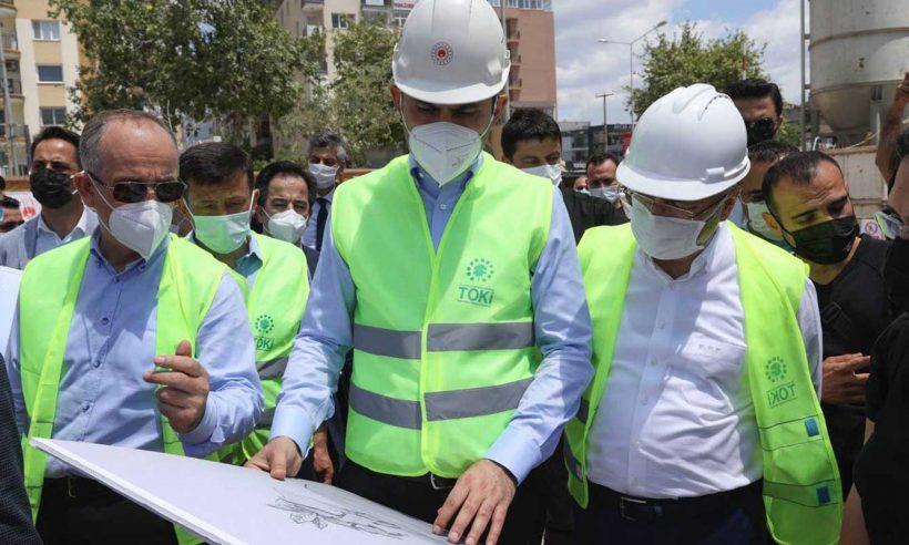 İzmir'e deprem sonrası 2,2 milyar liralık kentsel dönüşüm yatırımı