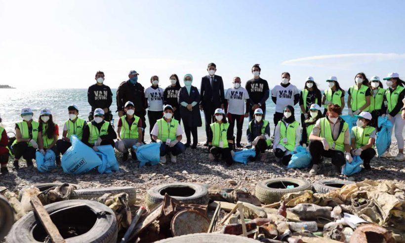 """""""Van Gölü için kapsamlı bir çevre koruma projesi başlatıyoruz"""""""