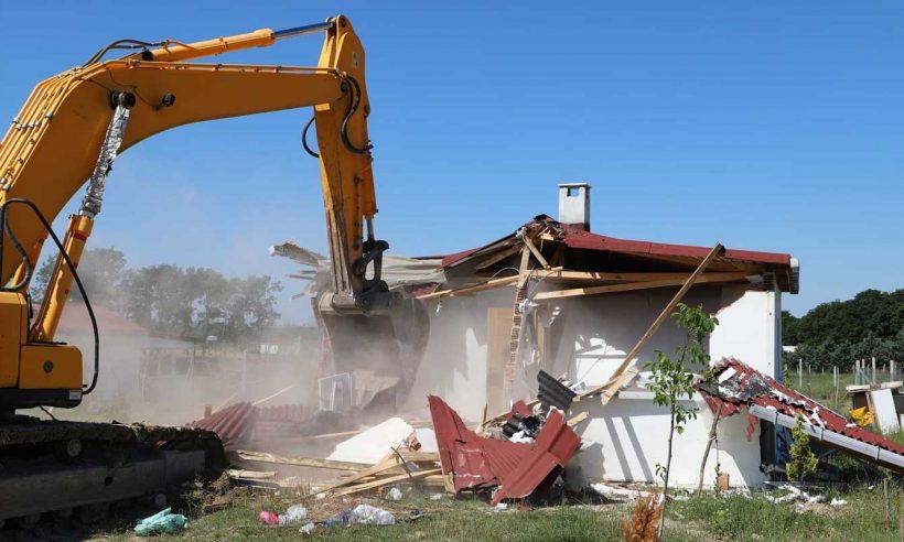 İstanbul Çatalca'daki kaçak yapılara yıkım