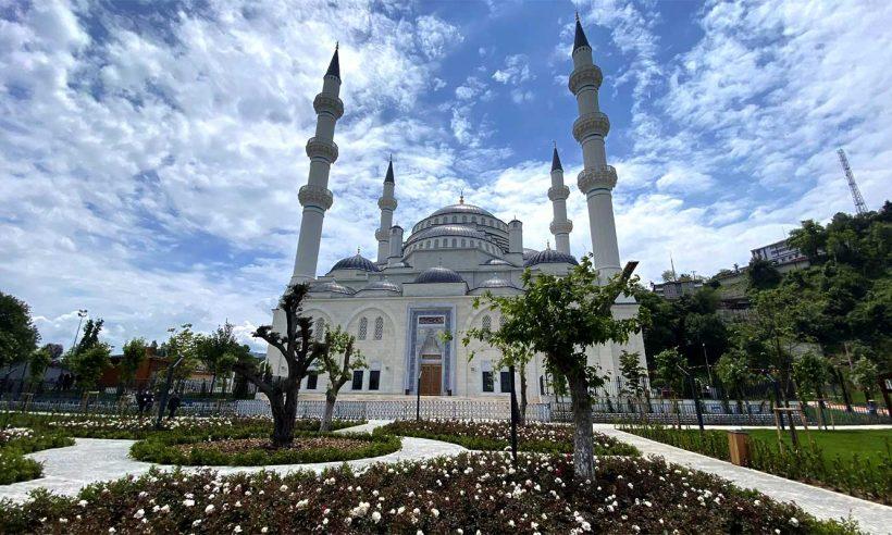 Zonguldak Uzun Mehmet Camii ibadete açıldı