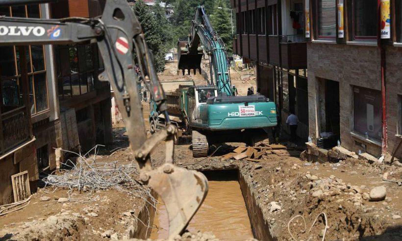 Rize'de hasar tespit ve temizlik çalışmaları devam ediyor