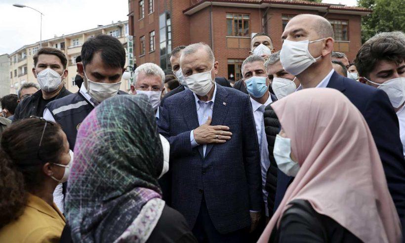 Cumhurbaşkanı Erdoğan, selden etkilenen vatandaşlarla görüştü