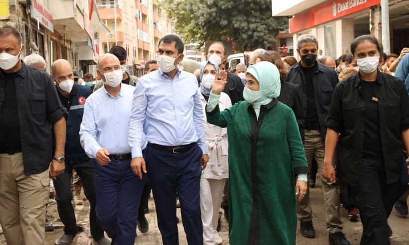 Emine Erdoğan'dan sel felaketinin yaşandığı Bozkurt'a ziyaret