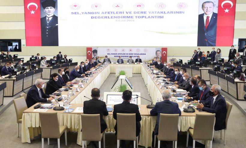 Afetlerin masaya yatırıldığı toplantı 6 bakanın katılımıyla yapıldı
