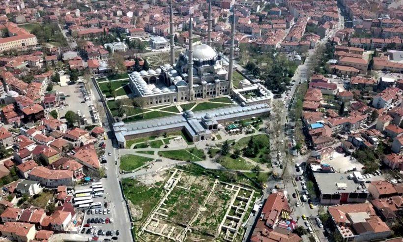 Selimiye Meydanı düzenleme çalışmaları devam ediyor